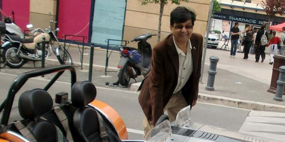 Photo of Ashok Vijh on vacation in Aix-en-Provence in April 2010.